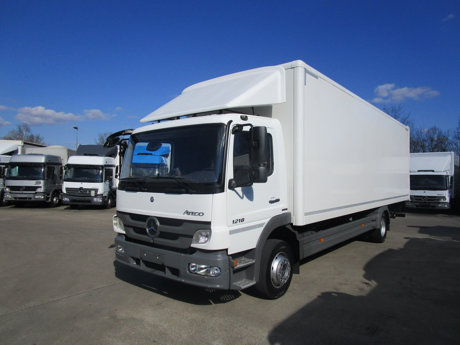 ATEGO III 1218 L Isolierkoffer 8,1m LBW 1,25 to.