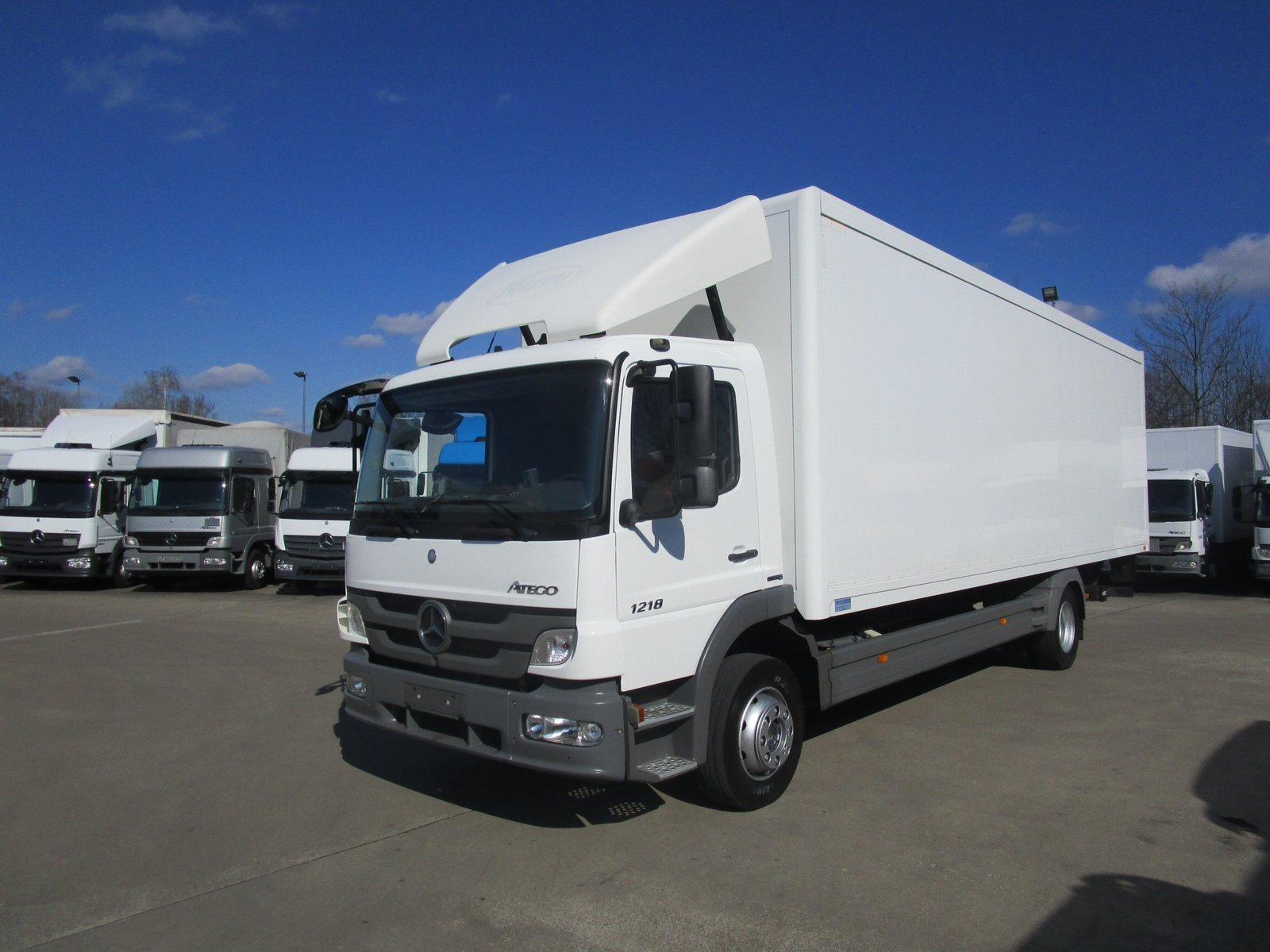 ATEGO III 1218 L Koffer 8,2m LBW 1,25 to. EURO 5