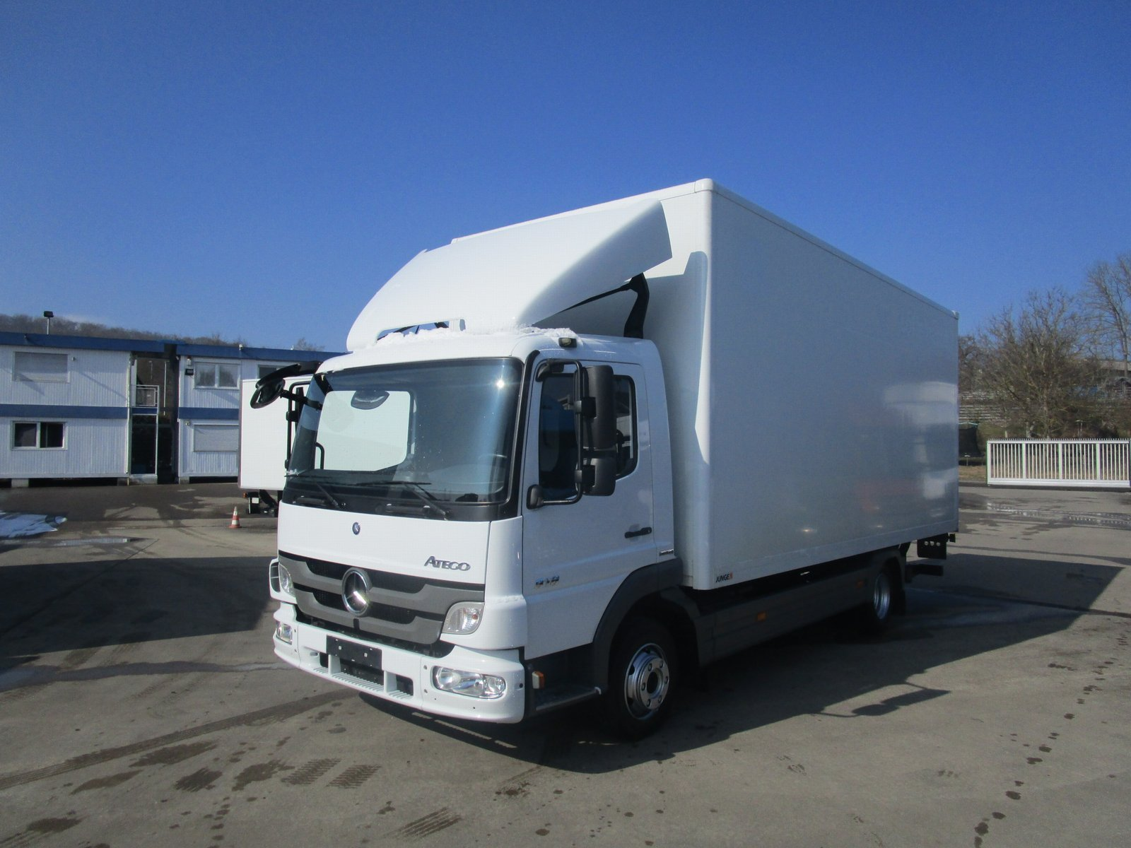 ATEGO III 818 L Koffer 6,10 m LBW 1 to.*Luft HA
