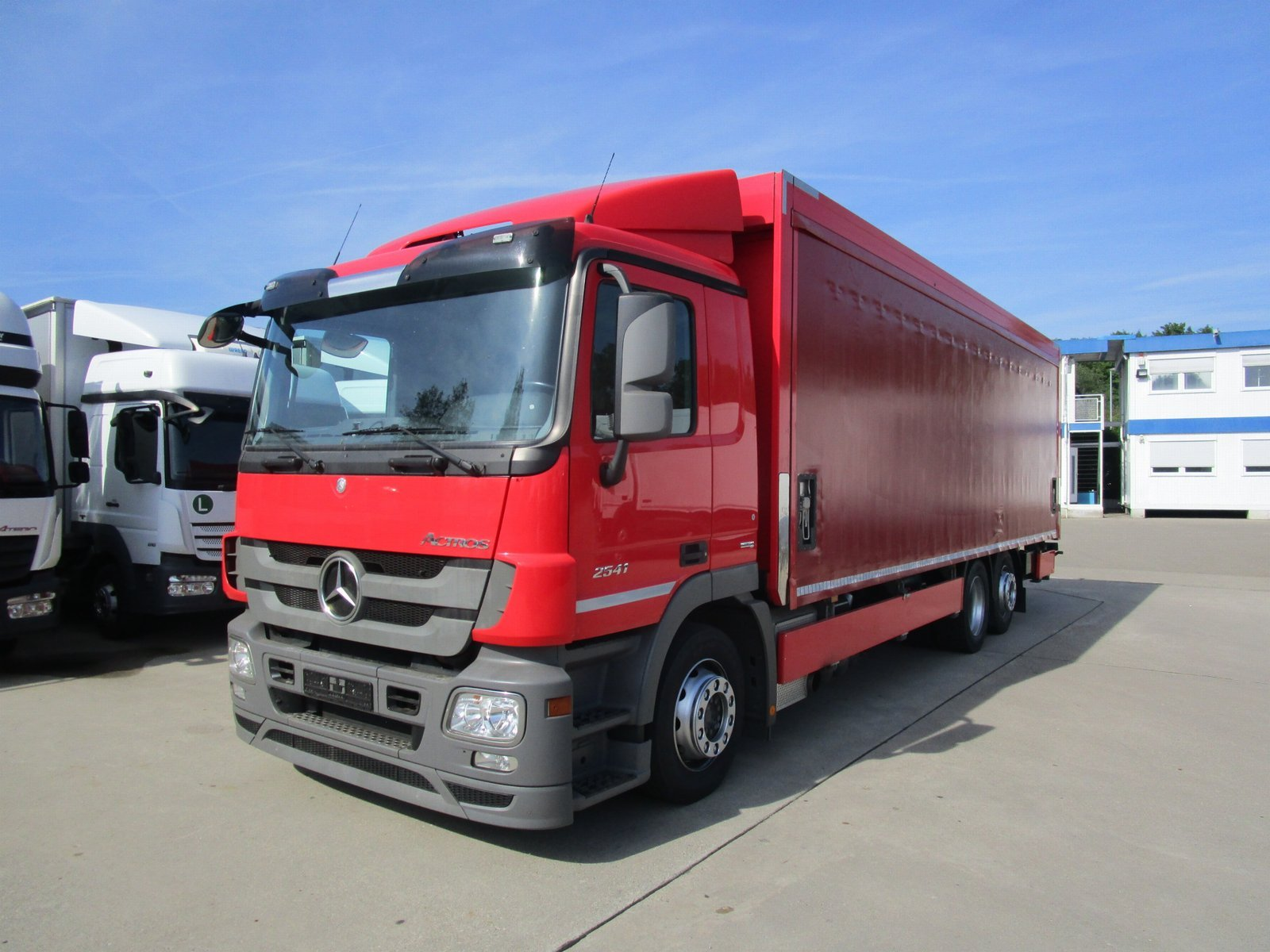 ACTROS 2541 L Getränke 8,25 m LBW 2 to*Lenkachse