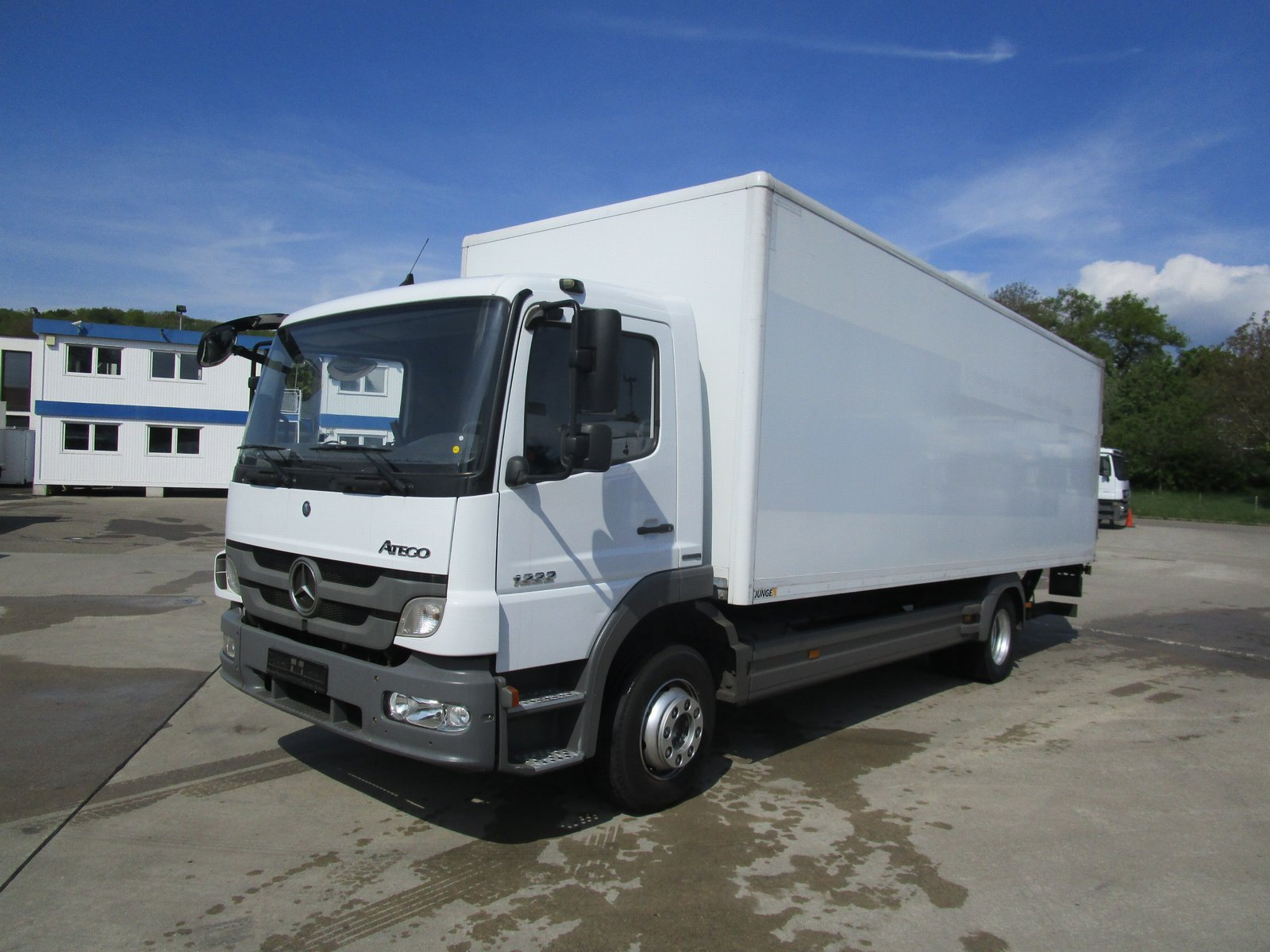 ATEGO 1222 L Koffer 7,20 m LBW 1,5 T*NL 5,44 to.