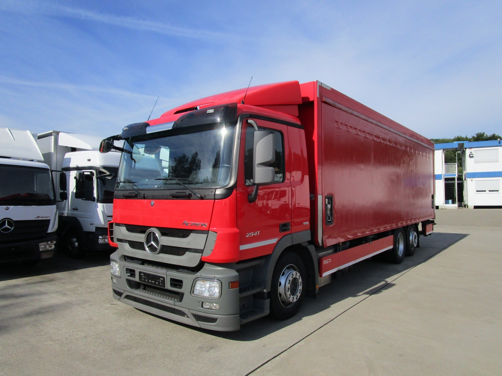 ACTROS 2541 L Getränke 8,2 m LBW 2 to.*LENKACHSE